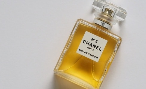 シャネルの5番 N°5 CHANEL PARIS EAU DE PARFUM